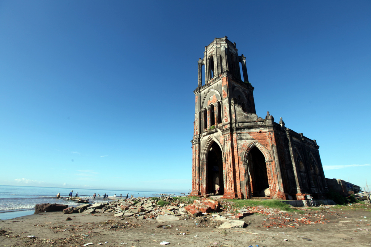 deserted-church